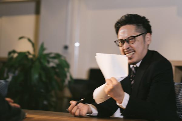 審査の甘いカードローンはない!!